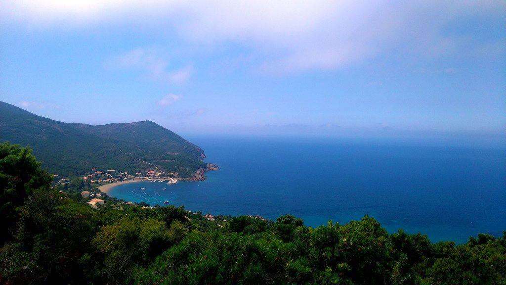 Sur le chemin, en arrivant vers Galeria depuis Tuarelli, sur le Tra Mare e Mont, randonnée, Corse