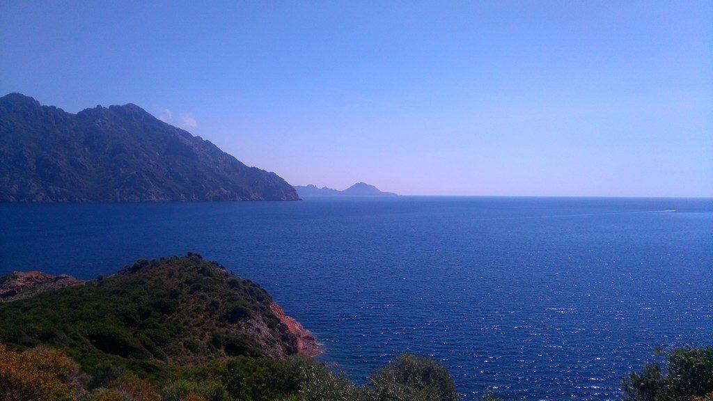 Sur le chemin, en arrivant vers Girolata depuis Galeria, sur le Tra Mare e Mont, randonnée, Corse