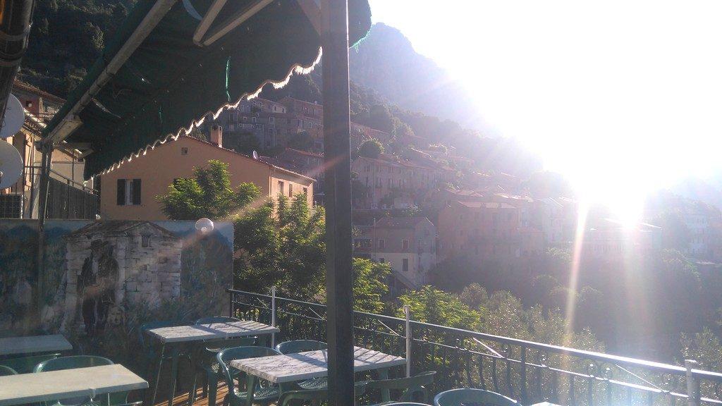 Vue depuis la Terrasse du Gîte Chez Marie à Ota, sur les chemins de Randonnée du Mare e Monti en Corse