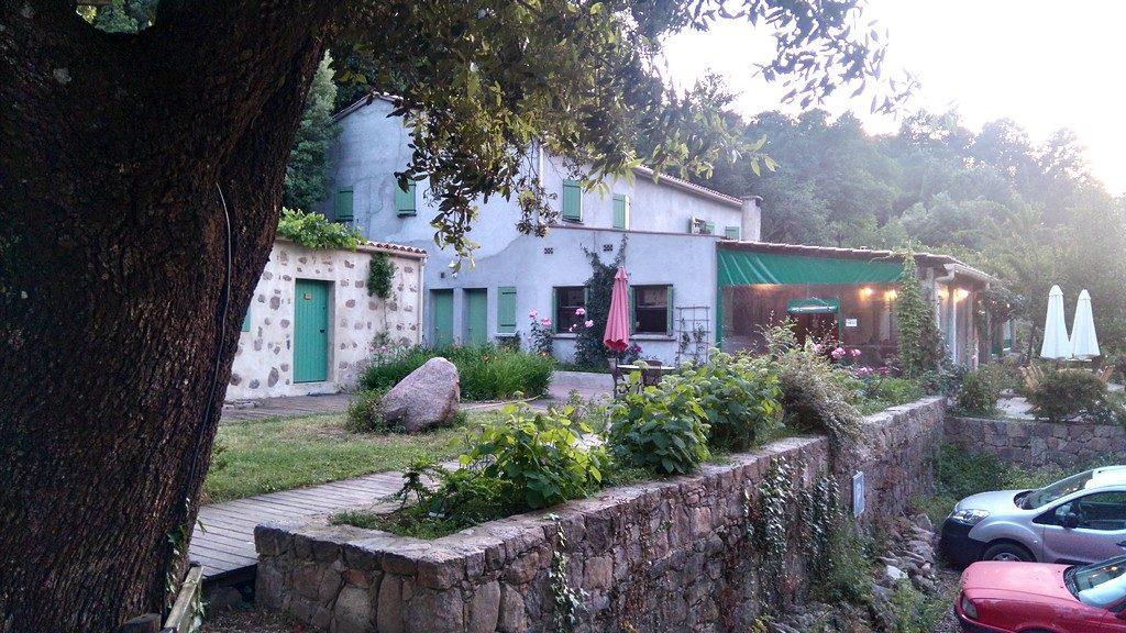 1ère étape du Mare E Monti nord de Calenzana à Cargèse, en Corse, le Gîte de Bonifatu