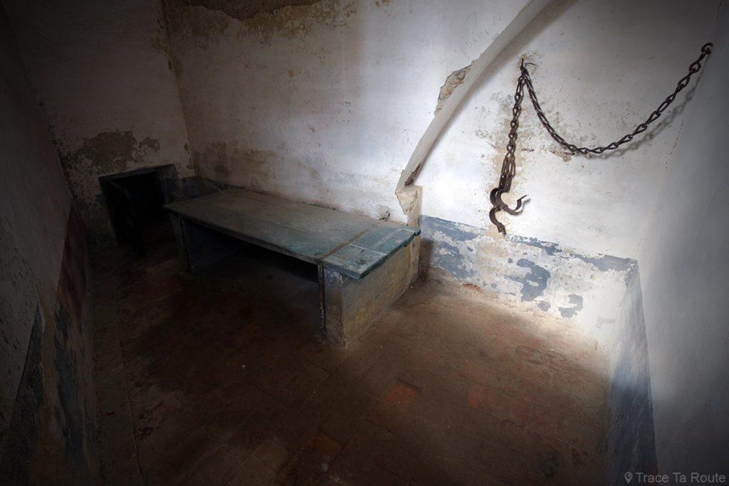 Salle cellule prisonnier visite Château de Lari, Castello dei Vicari (Valdera, Toscane, Italie)