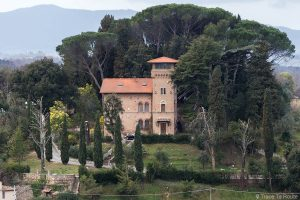 Villa Toscane, vue depuis le Château de Lari, Castello dei Vicari (Valdera, Italie)