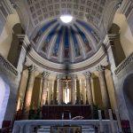 Choeur et Autel de l'église Duomo de Pontedera (Valdera, Toscane, Italie)