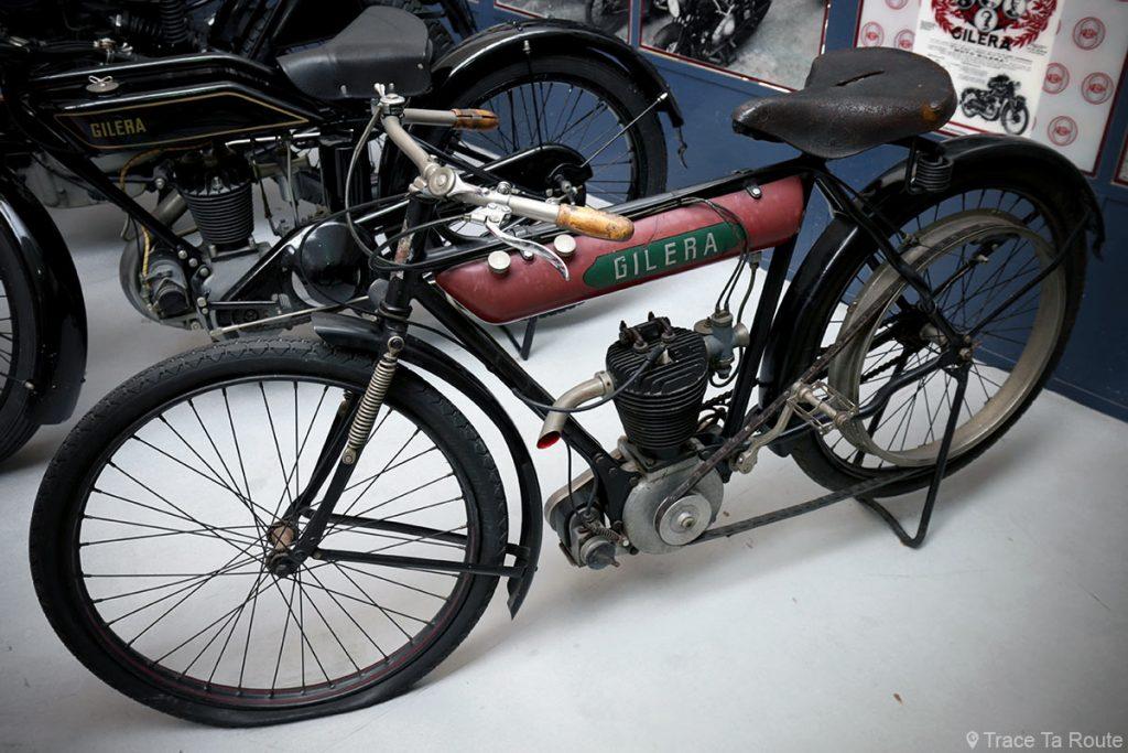 Moto Gilera VT 317 - Museo Piaggio Pontedera (Pisa, Valdera, Toscana, Italie) Musée Piaggio à Pontedera