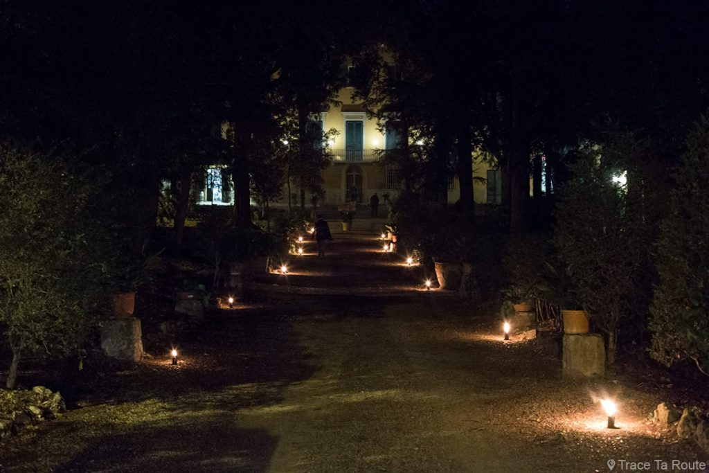 Allée Villa Fattoria Restaurant Zeiro Azienda Agricola, Capannoli (Valdera, Toscane, Italie)