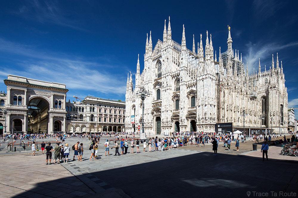 Cathédrale du Duomo de Milan - file d'attente entrée visiteurs - Piazza del Duomo di Milano