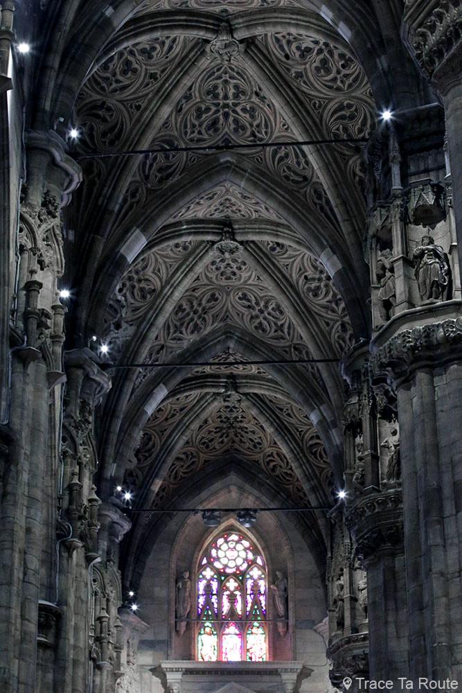 Cathédrale du Duomo de Milan - Plafond trompe-l'oeil gothique voûte Duomo di Milano