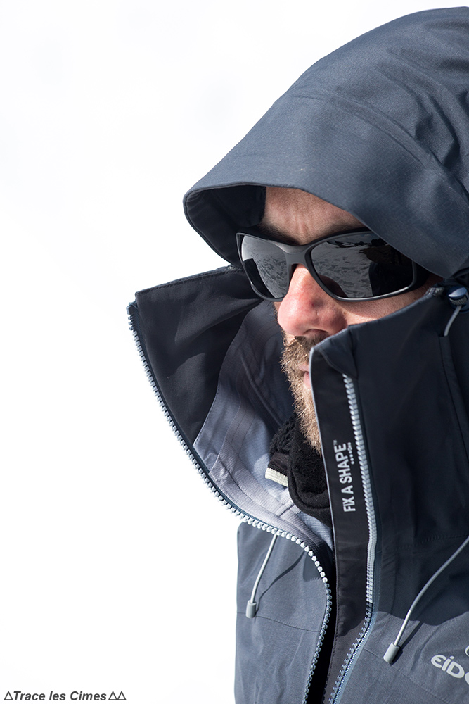 Test veste Gore-Tex Eider Commodore Jacket review (noir) zip YKK fin a shape