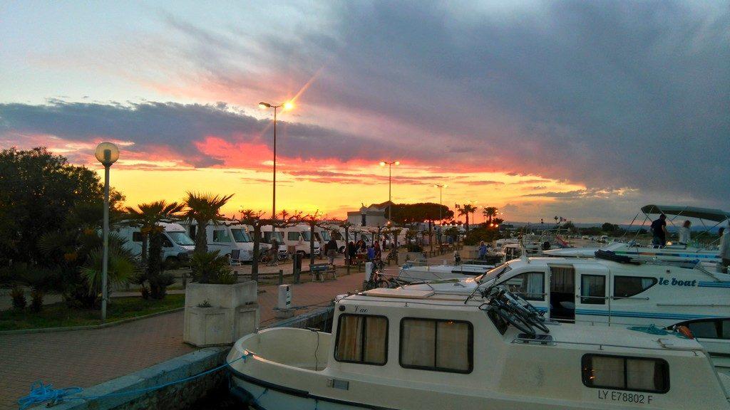 Port de Palavas, avec air de Camping Car juste à côté.Proche du Centre Ville.