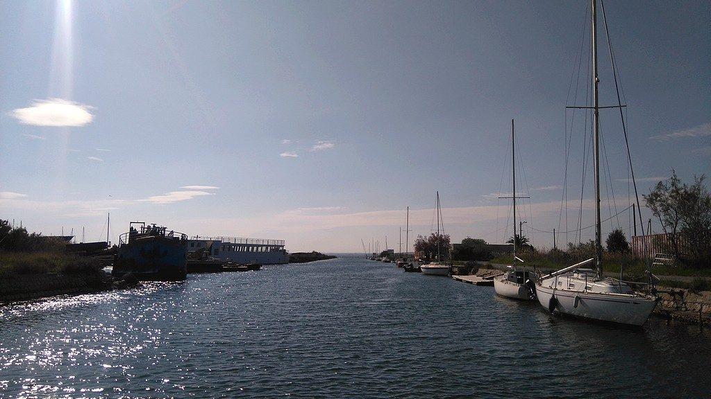 Voyage en Péniche avec Les Canalous, arrivée à l'embouchure du Canal du Rhone à Sete et de l'étang de Thau