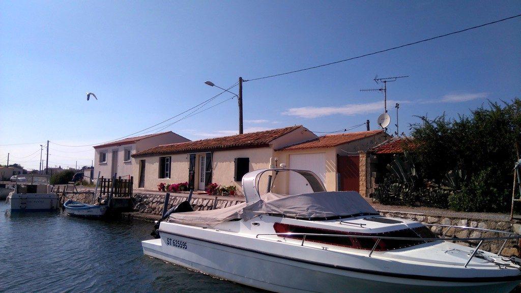 Voyage en péniche, le long du Canal du Rhône à Sète