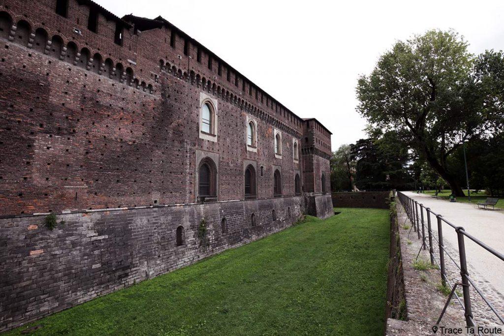 Murs remparts Château Castello Sforzesco de Milan