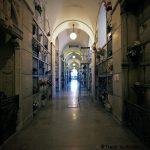 Caveaux d'une allée du Famedio, Cimetière Monumental de Milan