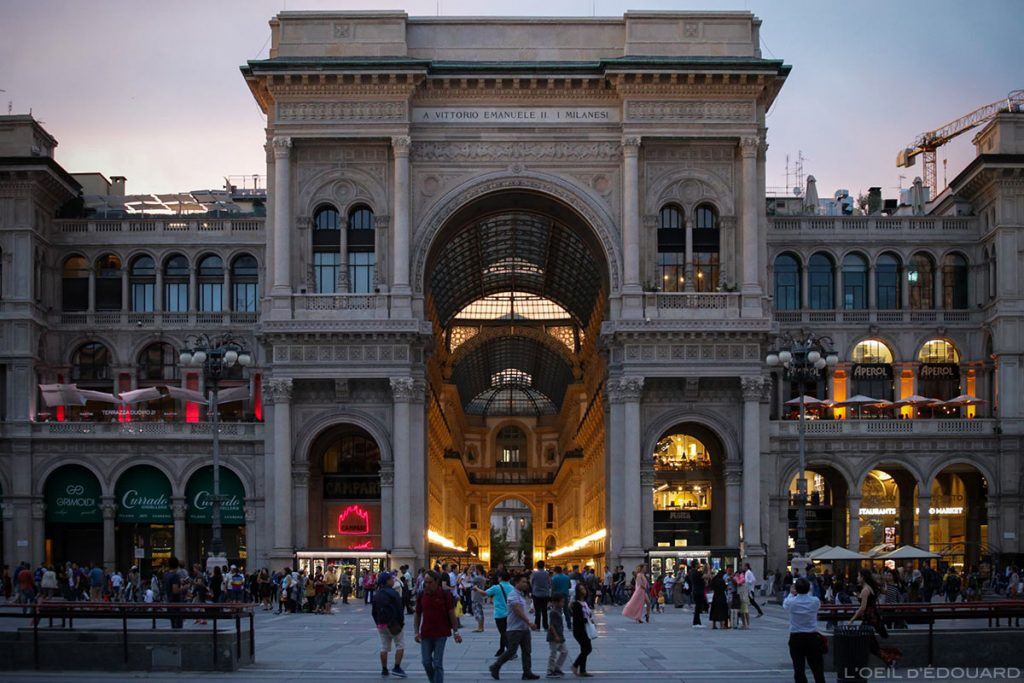 Porte Galleria Vittorio Emanuele II de Milan depuis la Piazza del Duomo di Milano © L'Oeil d'Édouard