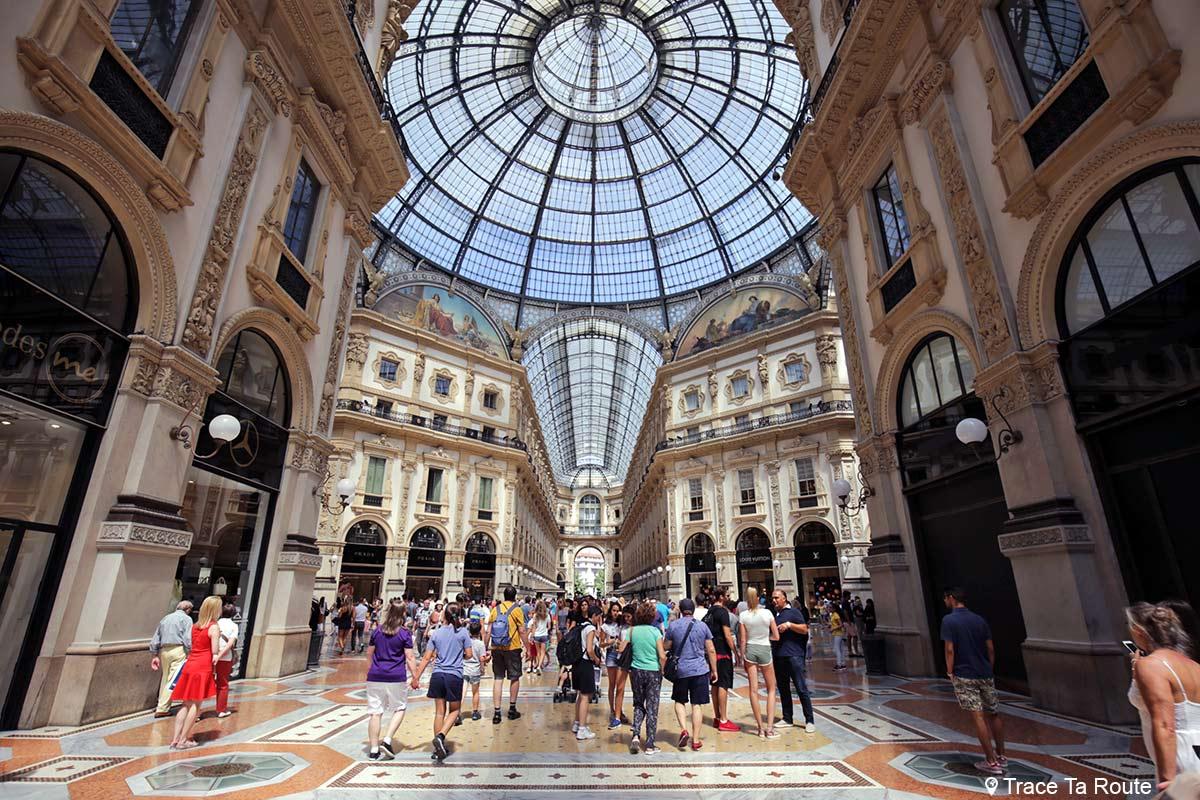 Verrière au centre de la Galleria Vittorio Emanuele II de Milan