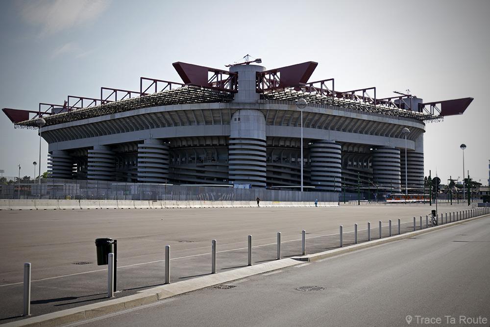 Stade San Siro Giuseppe-Meazza Milano (AC Milan / Inter Milan) - Architectes : Giancarlo Ragazzi, Enrico Hoffer, Leo Finzi