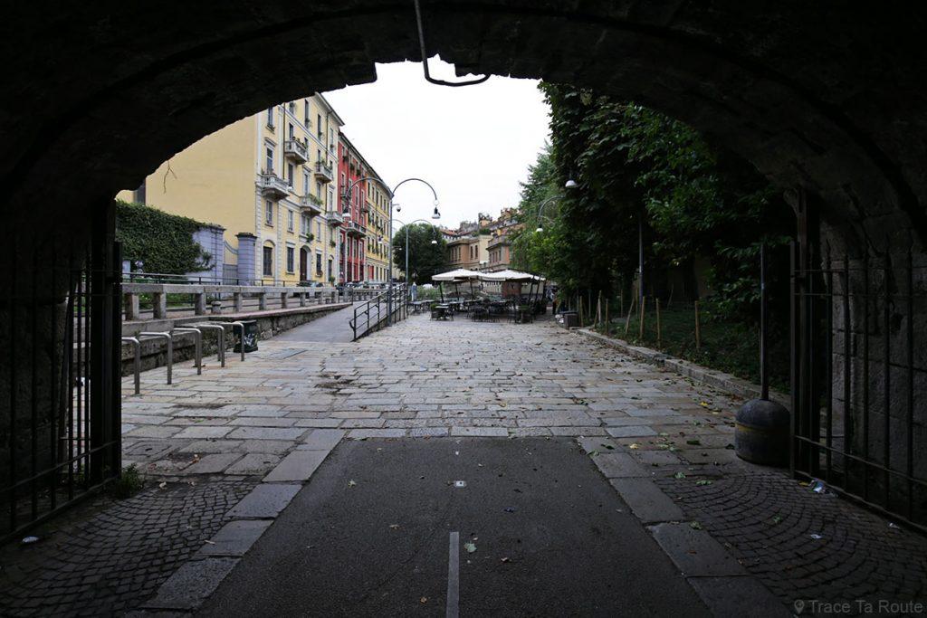 Rue de Milan : tunnel sous le Ponte delle Gabelle et la Via San Marco di Milano