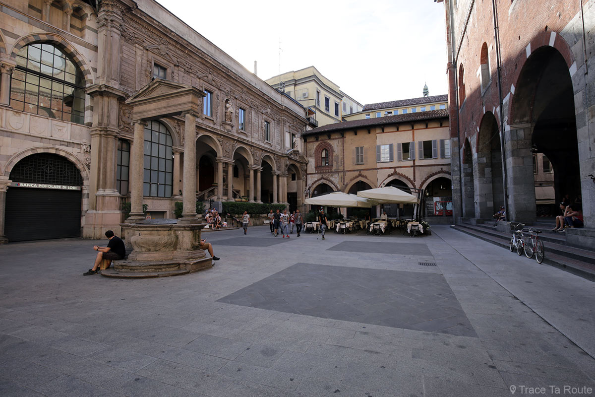 Place du Marché de Milan - Piazza dei Mercanti, Milano
