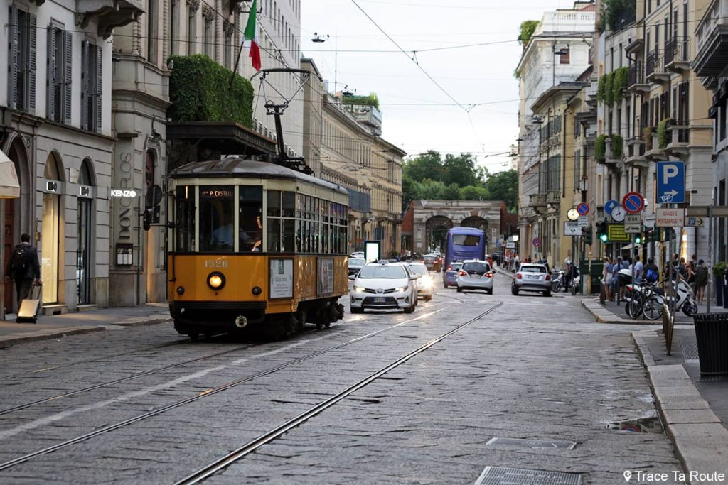 Rue de Milan : Tramway Via Alessandro Manzoni, Milano