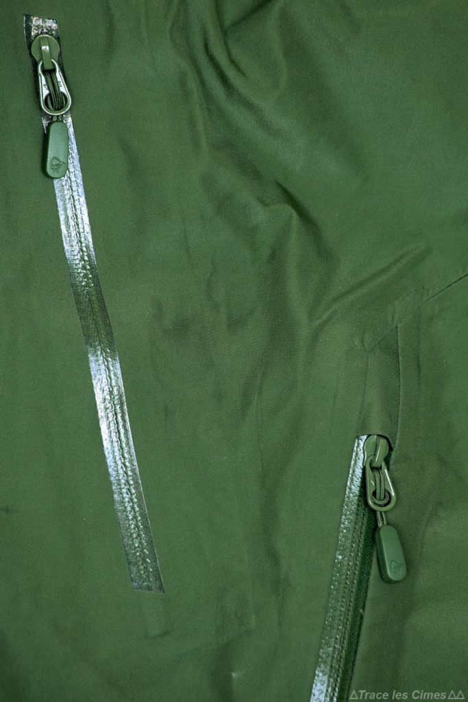 Test Pantalon Gore-Tex FALKETIND NORRØNA : poche fermeture éclair zip YKK