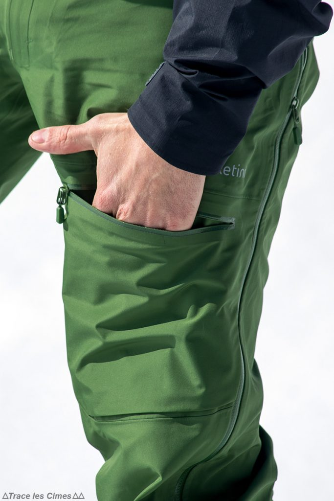 Test Pantalon Gore-Tex FALKETIND NORRØNA : poche cargo cuisse