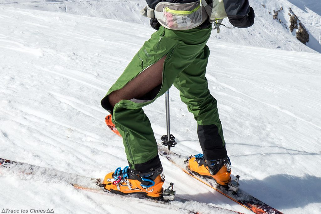 Test Pantalon Gore-Tex FALKETIND NORRØNA : ouverture latérale, aération en ski de randonnée (Chaussures Maestrale Scarpa)
