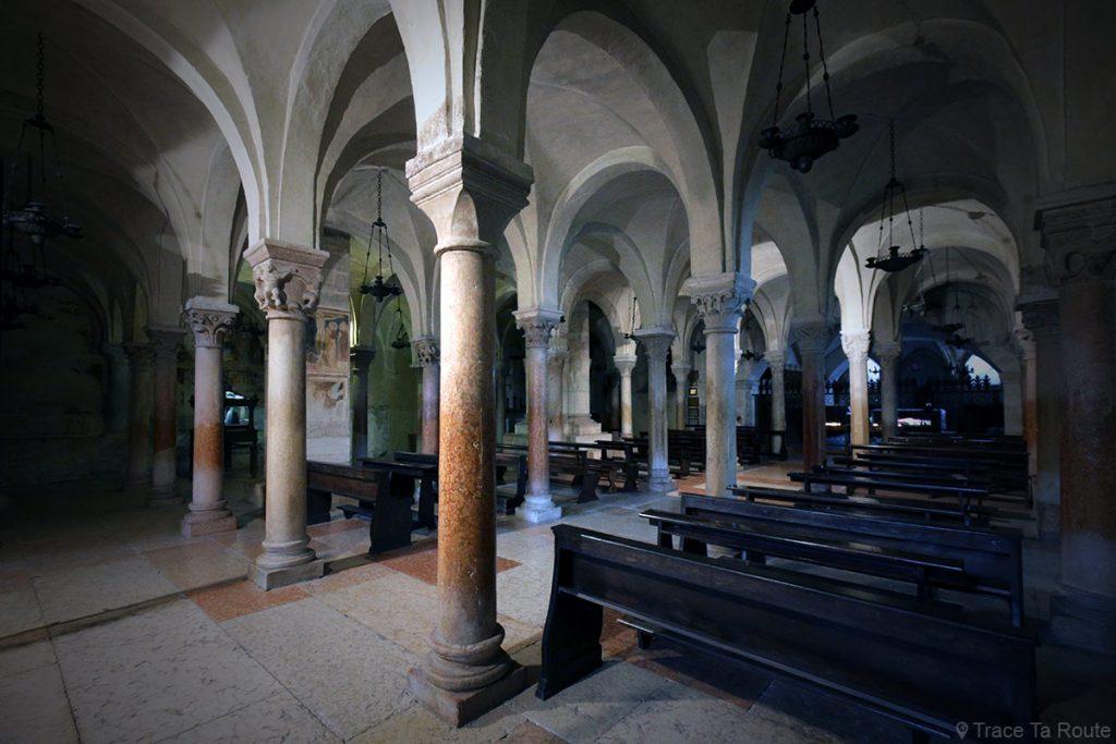 Intérieur crypte de la Basilique San Zeno de Vérone - Basilica San Zeno Maggiore di Verona