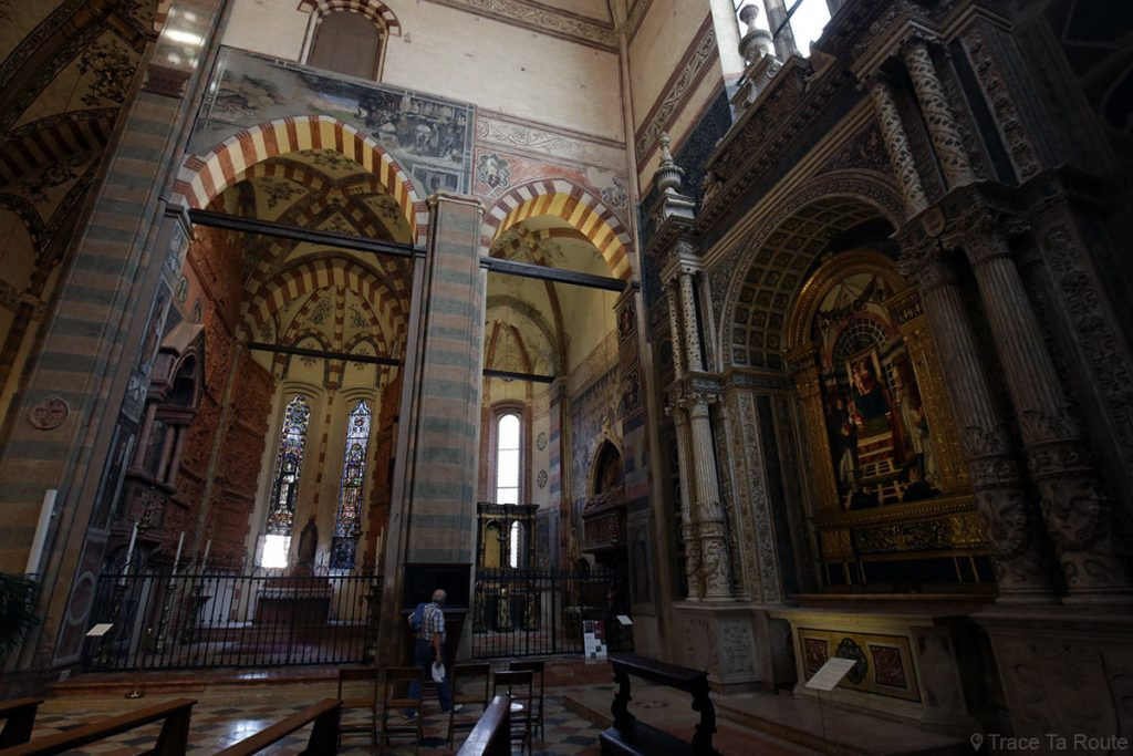 Chapelle Pellegrini, Chapelle Cavalli et Autel Centrego - Intérieur de la Basilique Sant'Anastasia de Vérone - Chiesa San Pietro da Verona in Santa Anastasia Basilica