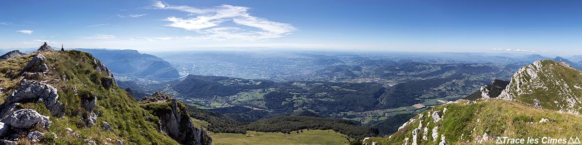 Vue au sommet de la Grande Sure (Ouest) : Vercors, Voreppe, Isère - Massif de la Chartreuse