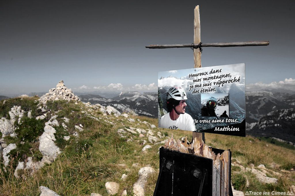 Croix au sommet de la Grande Sure - Massif de la Chartreuse
