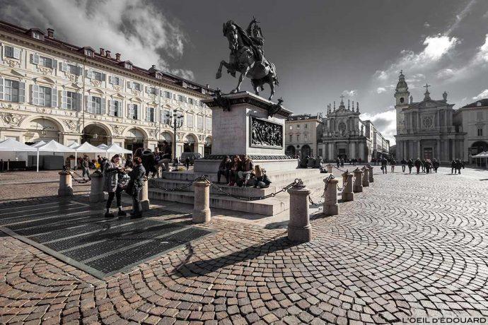 Turin - Piazza San Carlo Torino, monument statue équestre Emanuele Filiberto, Églises Chiesa San Carlo Borromeo e Chiesa di Santa Cristina © L'Oeil d'Édouard