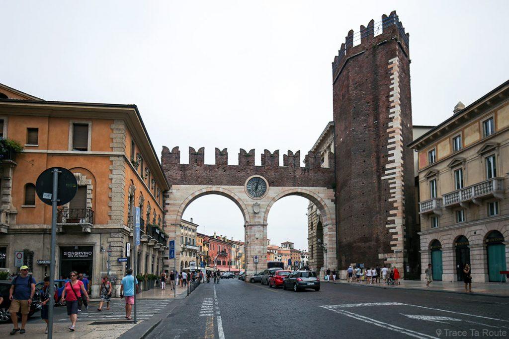 Porte médiévale Portoni della Brà à Vérone