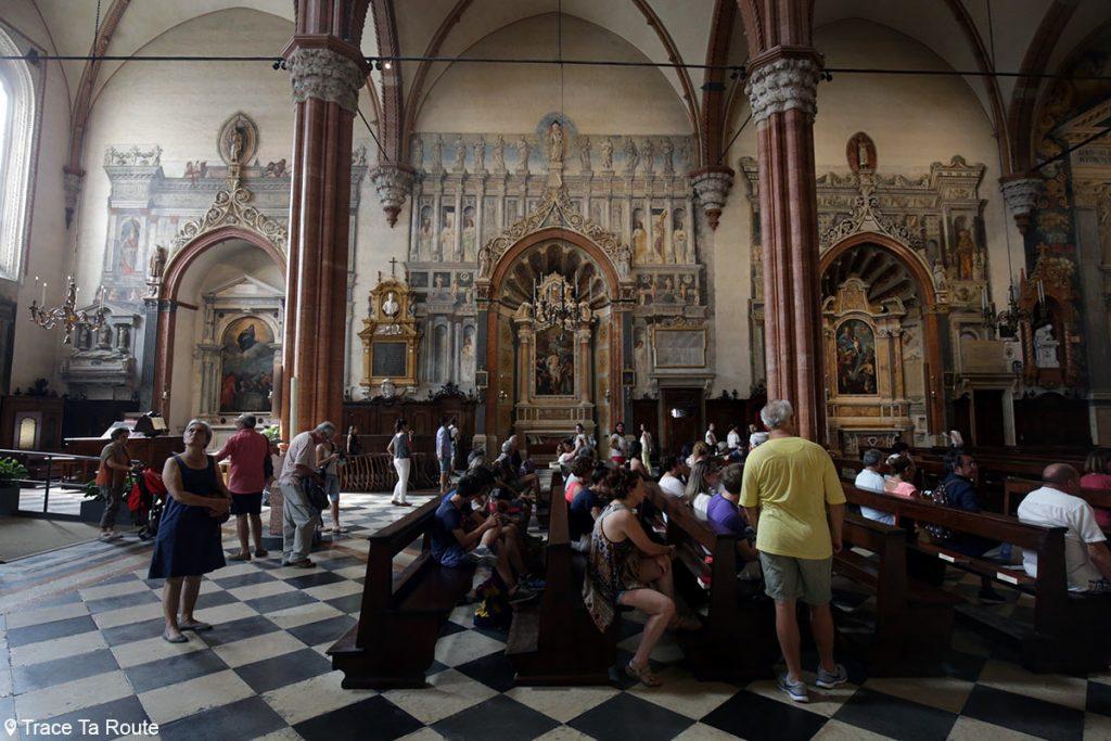 Intérieur Nef Cathédrale Santa Maria Matricolare de Vérone, Chapelles Cartolari, Abbazia-Lazzari et Cartolari Nichelosa avec fresques en trompe-l'oeil - Duomo di Verona