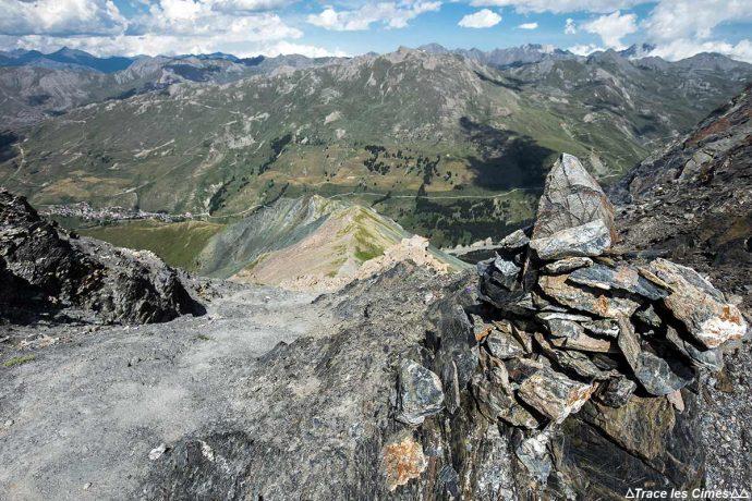 Pic de Cascavelier et Saint-Véran depuis le Pic des Marcelettes, Queyras (Hautes-Alpes)
