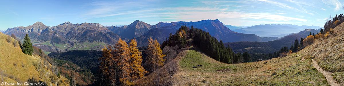 Vue panorama Massif des Bauges Savoie depuis sous le Mont Colombier : Trélod, Aracalod, Pécloz, Arclusaz