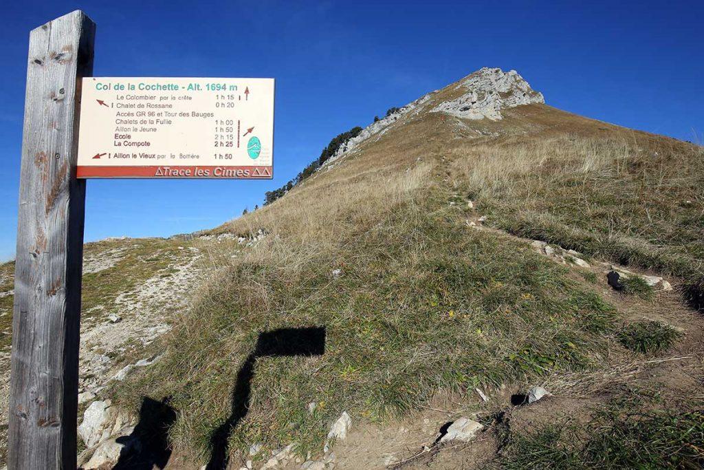 Panneau itinéraire randonnée Col de la Cochette Mont Colombier - Massif des Bauges Savoie