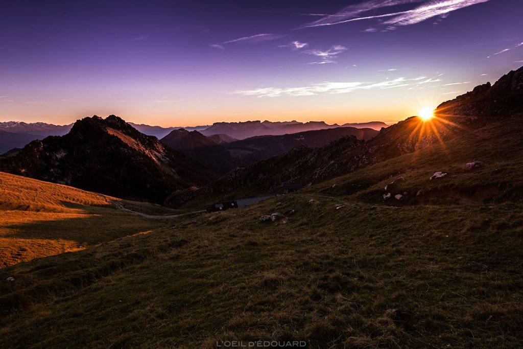 Coucher de soleil au Chalet de Rossane, Mont Colombier, Massif des Bauges Savoie © L'Oeil d'Édouard