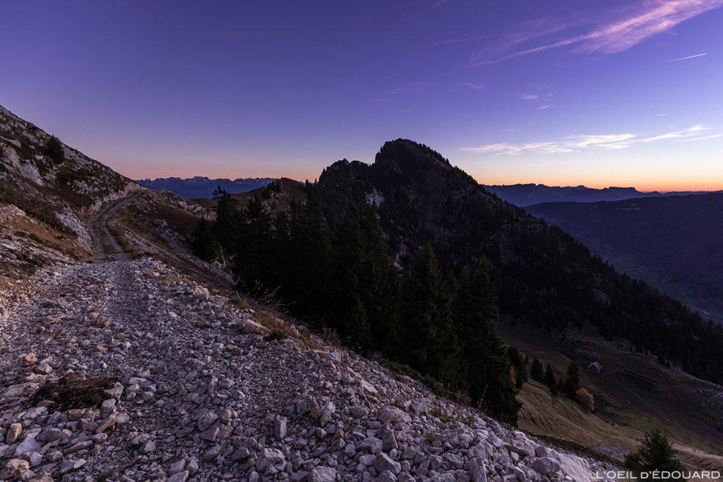 Rochers de la Badaz et piste du Chalet de Rossane, Mont Colombier, Massif des Bauges Savoie