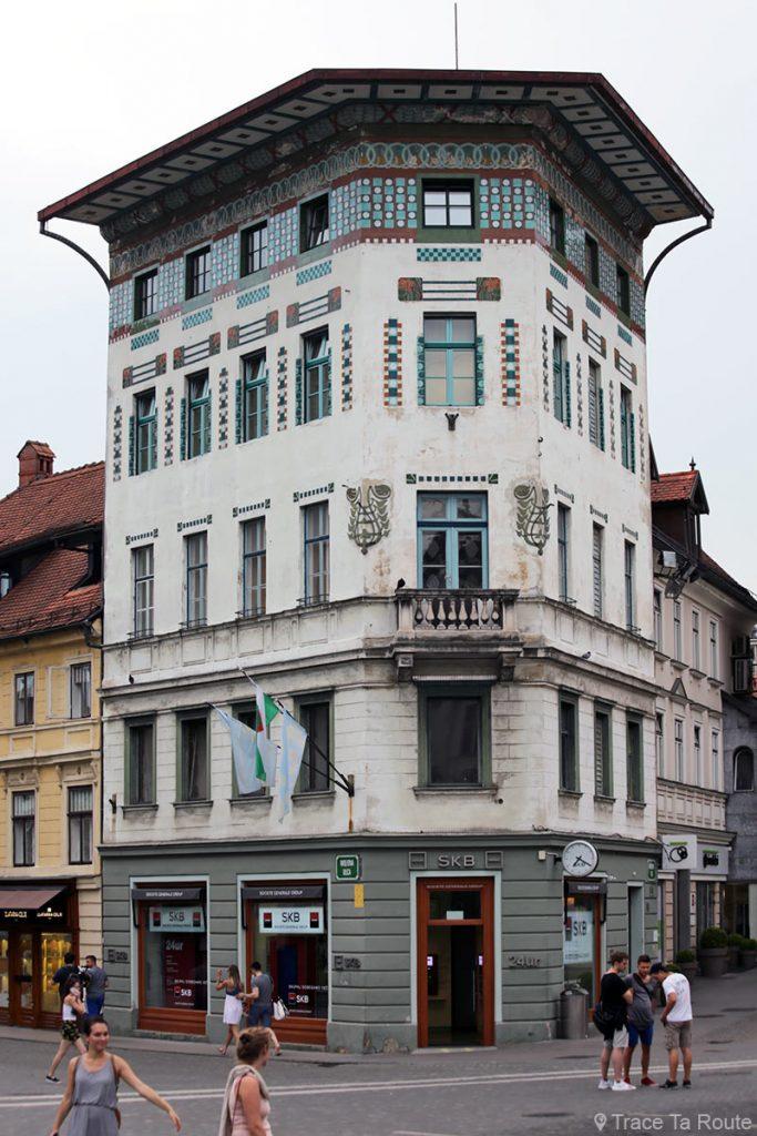 La Maison Hauptman (Hauptmannova hiša) sur la Place Prešernov trg de Ljubljana, Slovénie - Slovenia / Slovenija
