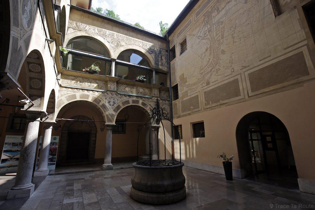 Cour intérieure de l'Hôtel de ville de Ljubljana, Slovénie