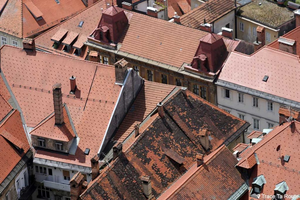 Toits des immeubles de la Vieille ville de Ljubljana depuis la Tour de Guet du Château Ljubljana Grad, Slovénie