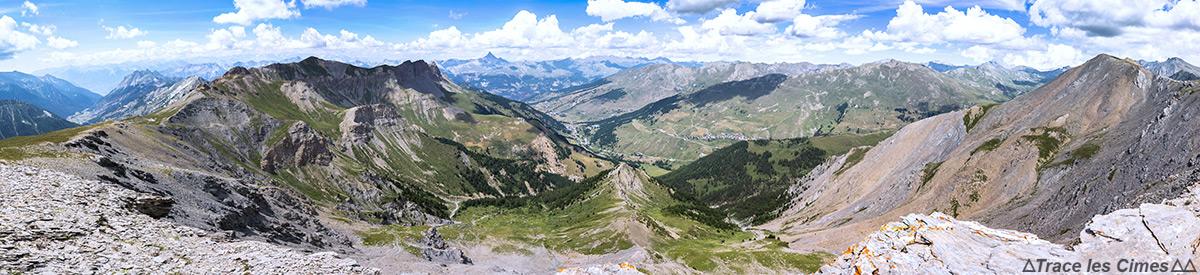 Vue sur le Queyras depuis la Crête de la Blavette (Hautes-Alpes)