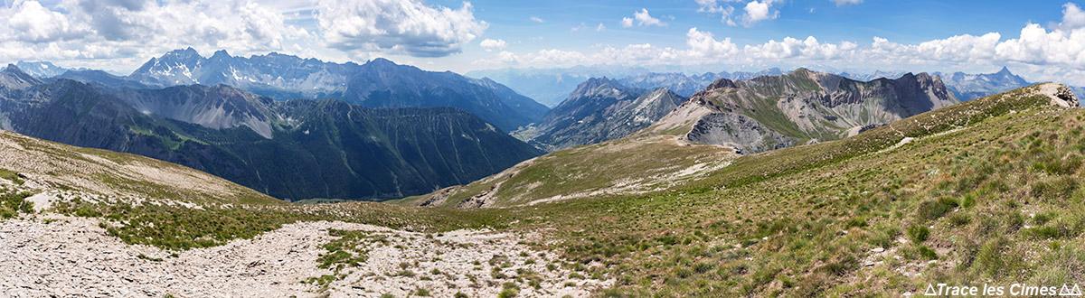 La Crête de la Blavette avec la Crête des Veyres au fond, Queyras (Hautes-Alpes)