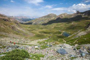 Vallon de La Moutière avec le lac et le Refuge de la Blanche, Queyras (Hautes-Alpes)