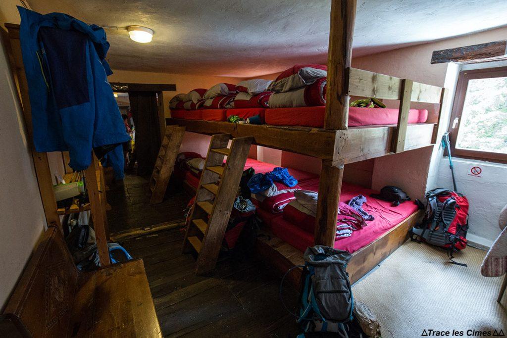 Dortoir nuit au Gîte d'étape de La Monta, Queyras