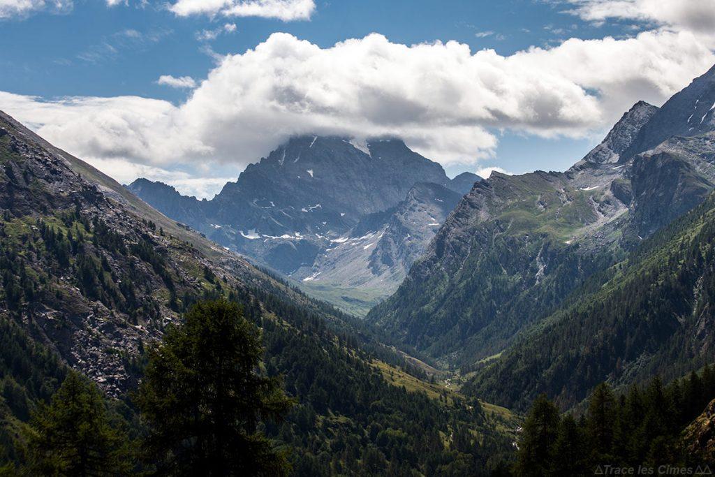 Le Mont Viso dans les nuages, Queyras (Hautes-Alpes)
