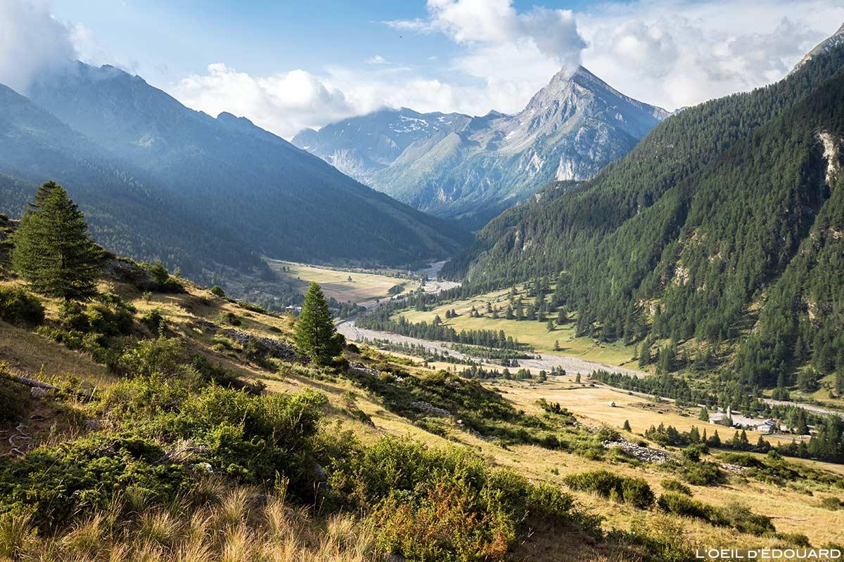 Vallon de Ristolas avec La Monta et La Taillante en arrière-plan - Queyras, Hautes-Alpes