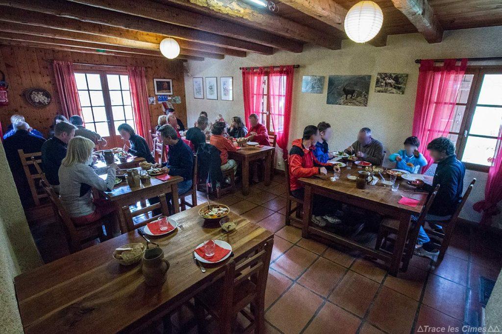 Salle restaurant Auberge Gite Refuge des Fonts de Cervières - Queyras, Hautes-Alpes