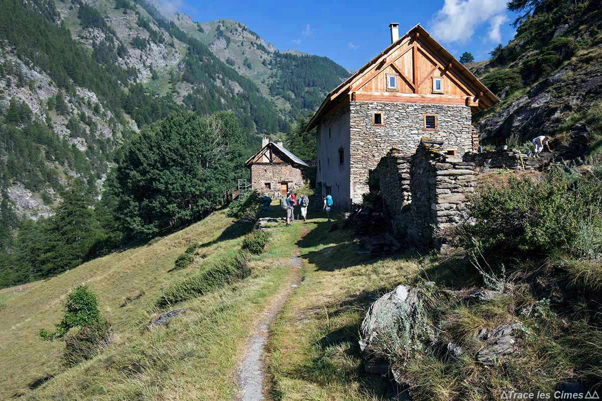 Chalets hameau Le Malrif, au-dessus d'Abriès - Queyras, Hautes-Alpes