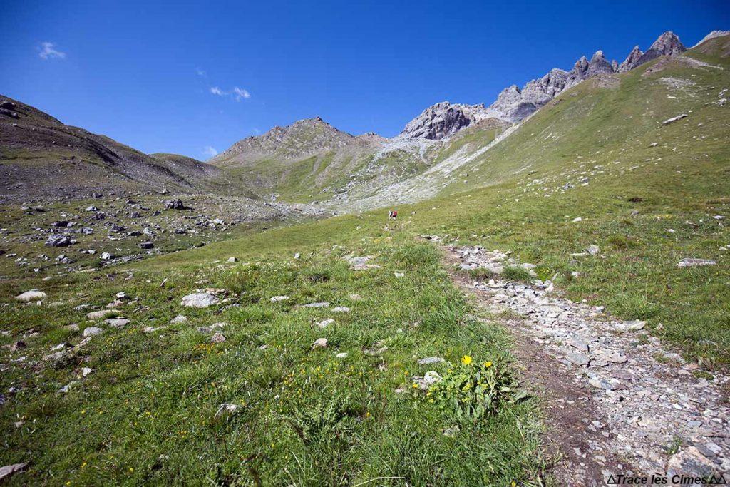 Le Ravin des Charmettes vers le Col de Péas - Tour du Queyras GR 58, Hautes-Alpes